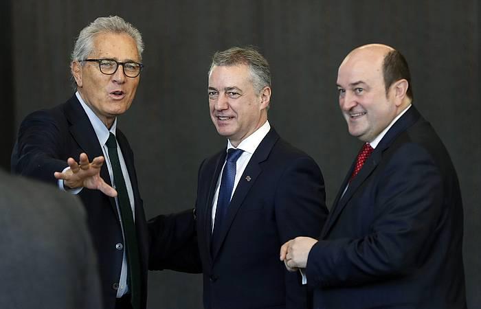 Francesco Rutelli Europako Alderdi Demokratako presidentea, Ortuzar eta Urkullurekin. ©LUIS TEJIDO, efe.