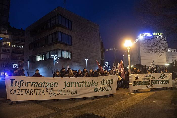 Donostiako Antigua auzoan Ertzaintzaren aurrean egindako protesta, gaur.