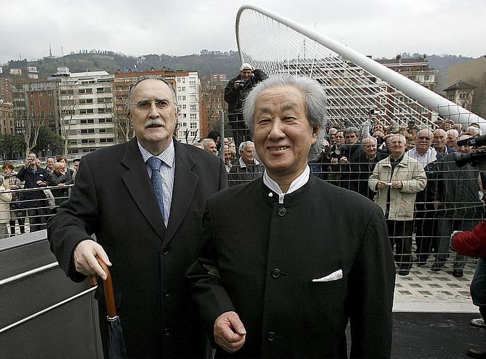 Arata Isozaki, Bilbon, Isozaki Atearen inaugurazioan, 2007an. ©Chema Moya / EPA
