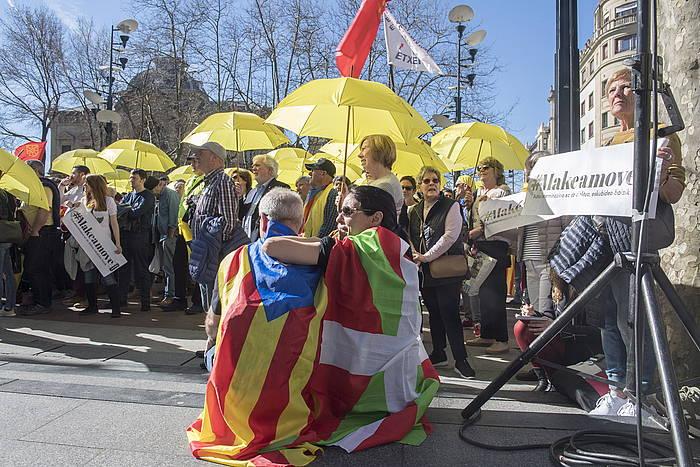 Gure Esku Dago-k otsailaren 17an Kataluniako prozesu subiranistari babesa adierazteko egin zuen manifestazioko irudia. ©Juan Carlos Ruiz, Foku