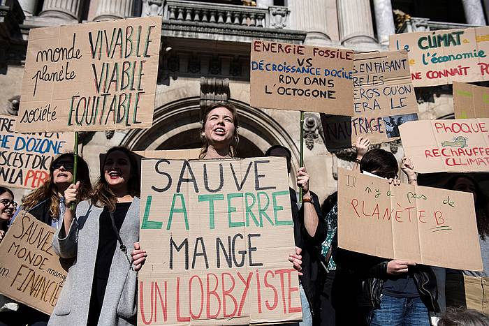 Klima aldaketaren aurako protesta bat, otsailean, Parisen. / ©Julien de Rosa, EFE