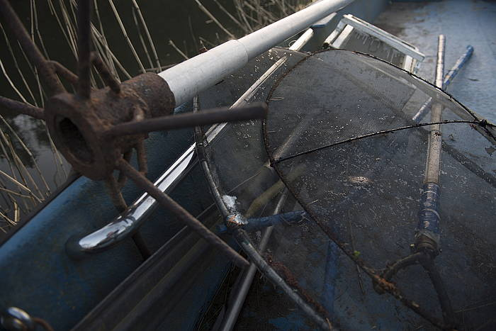 Angulen lehorreko arrantzarako erabiltzen diren zenbait tresna. ©Juan Carlos Ruiz / Foku