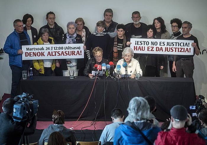 Altsasuko Gurasoen prentsaurrekoa, Espainiako Auzitegi Nazionaleko apelazio aretoak epaia atera ondotik. ©Jon Urbe, Foku