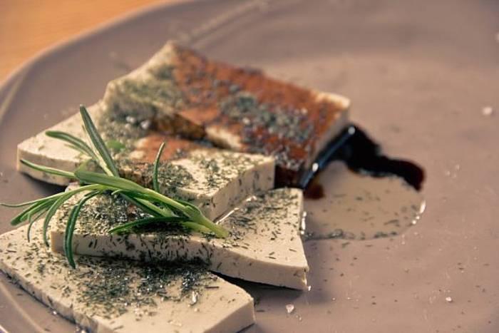 Zuaitzoren tofu plater bat ©Zuaitzo