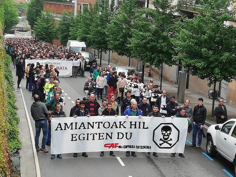 Ehunka lagun bildu dira Beasainen egindako manifestazioan. ©Beasaingo CAFeko enpresa batzordea