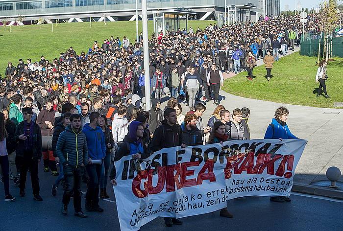Ikasleen protesta, 2016an, Leioako campusean. ©LUIS JAUREGIALTZO / FOKU