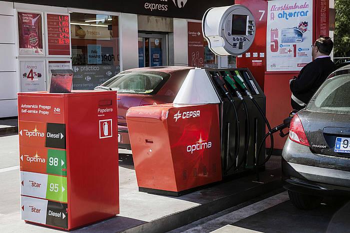 Gasolina eta gasolioa merkatu dira azken hilean. ©EMILIO NARANJO / EFE