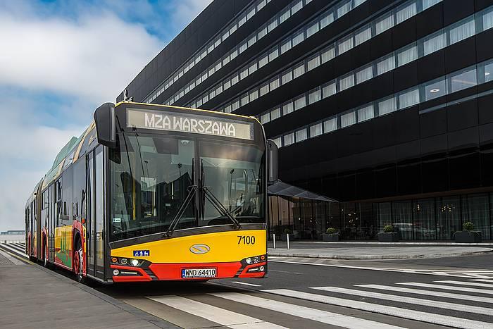 Varsovian ibiliko diren Urbino autobusak. ©CAF