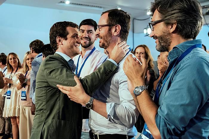 ablo Casado PPko presidentea, Javier Maroto eta Iñaki Oiartzabal Gaseizen, larunbatean.