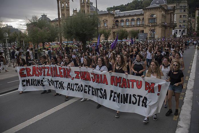 Donostiako Aste Nagusian atzo izan ziren sexu erasoen kontrako manifestazioa, gaur, Donostiako Alderdi Ederren.