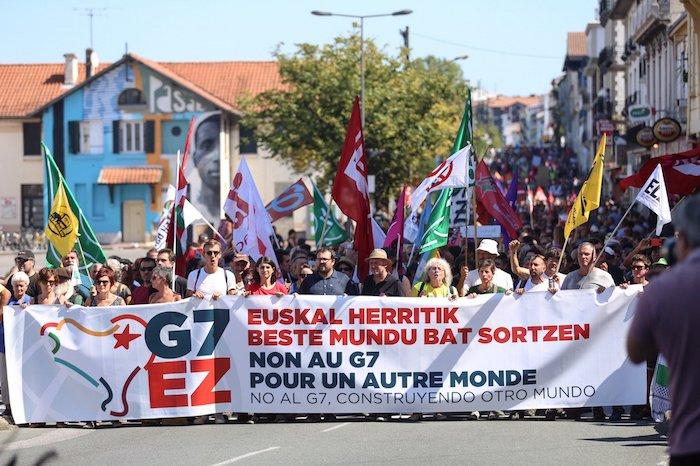 G7koen aurka,