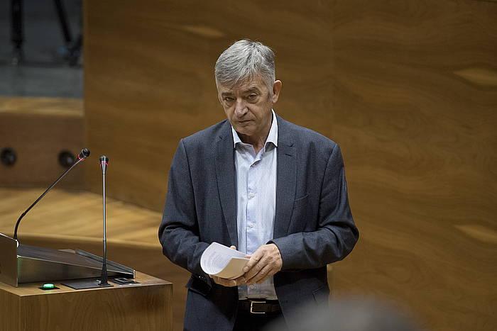 Koldo Martinez Geroa Baikoa, Nafarroako Parlamentuko saio batean.