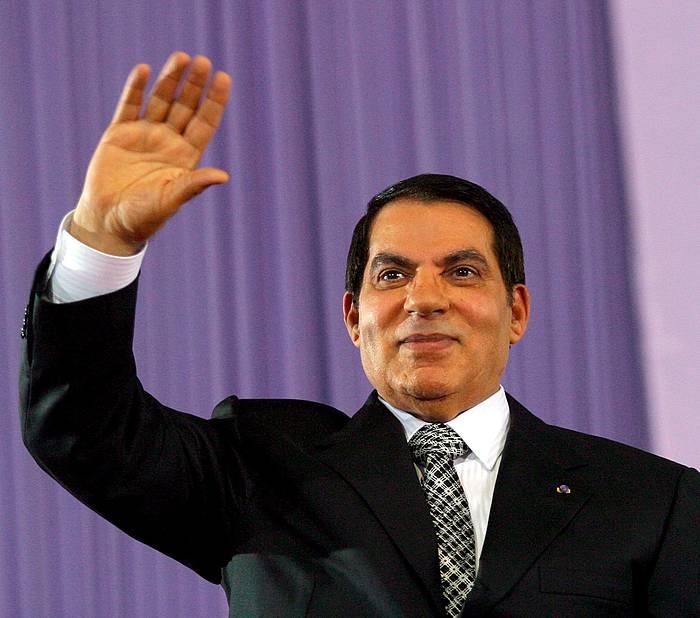 Zine El Abidine ben Ali Tunisiako pesidente ohia, artxiboko irudi batean.