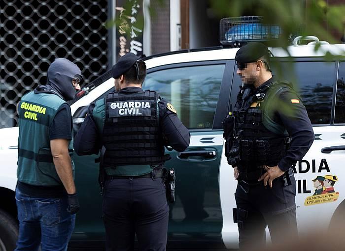 Guardia Zibila, Sabadellen (Herrialde Katalanak), gaurko polizia operazioan.