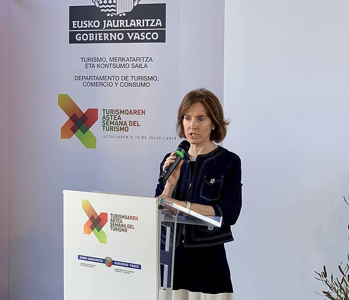 Sonia Perez Ezkerra Eusko Jaurlaritzako Turismo, Merkataritza eta Kontsumo sailburua, joan den asteko agerraldi batean. ©BERRIA