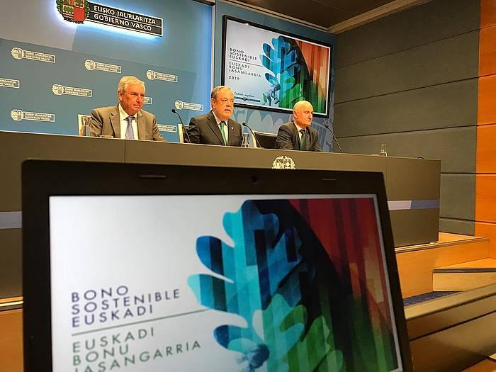 Eusko Jaurlaritzak 600 milioi euroko zor jaulkipena aurkeztu zuen joan den apirilaren 4an. ©Irekia