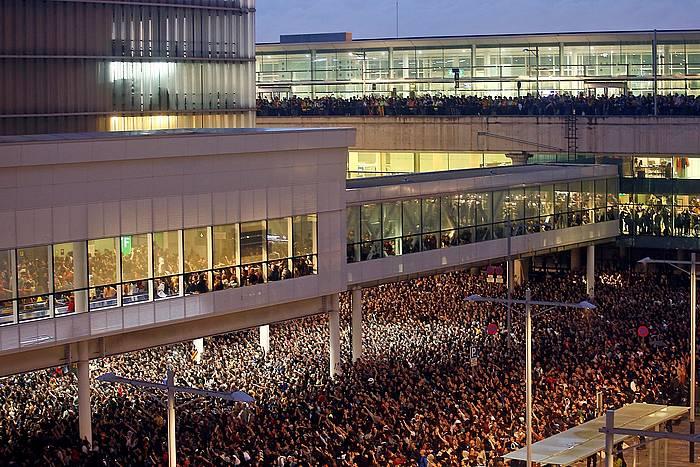 Tsunami Democratic ekimenak deituta, astelehenean Bartzelonako aireportuan egin zen protesta.