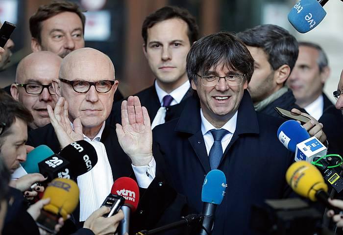 Carles Puigdemont Kataluniako presidente kargugabetua, gaur, Bruselako epaitegiaren atarian. ©STEPHANIE LECOCQ, EFE