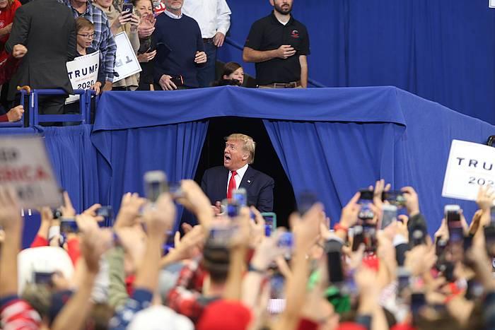 Trump, Kentuckyn galtzaile atera den Bevin hautagaiaren kanpainan, herenegun.