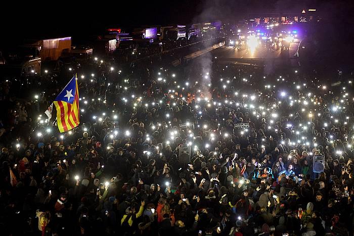 Tsunami Demokratikoak deituta, Gironan, AP-7 autobidean egin zuten errepide mozketa.