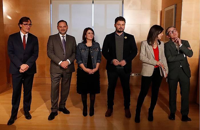 ERCko eta PSOEko kideak, lehen bileraren aurretik.