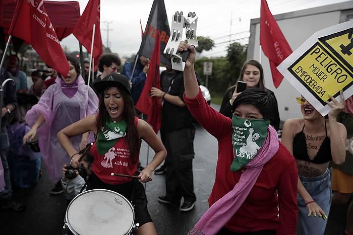 Abuztuan egin zuten manifestazio bat, abortu terapeutikoren araua sinatzeko eskatzen Costa Ricako presidenteari. ©Jeffrey Arguedas / EFE