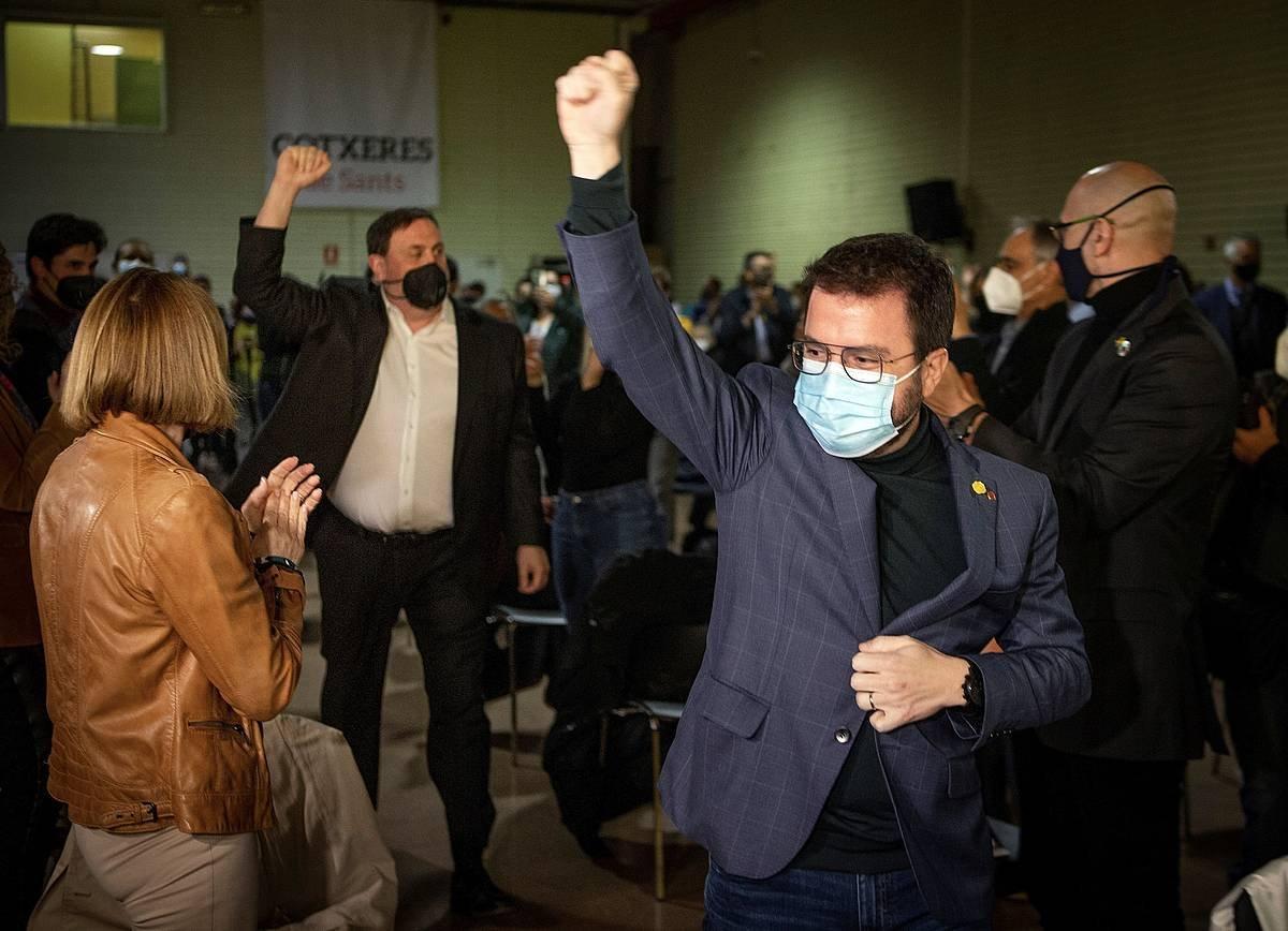 Pere Aragones, aurrean, eta Oriol Junqueras, atzean, ERCren ekitaldi batean. ©Enric Fontcuberta / EFE