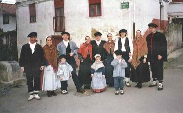 Euskal Herriko jantzi tradizionalak.