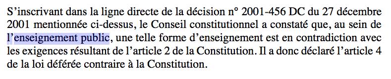 Lehen bertsioan irakaskuntza publikoa aipatzen zuen Frantziako Konstituzio Kontseiluak