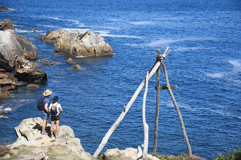 Erantzingo portuan algak jasotzeko tresna bat dago. Josean Gil-Garcia