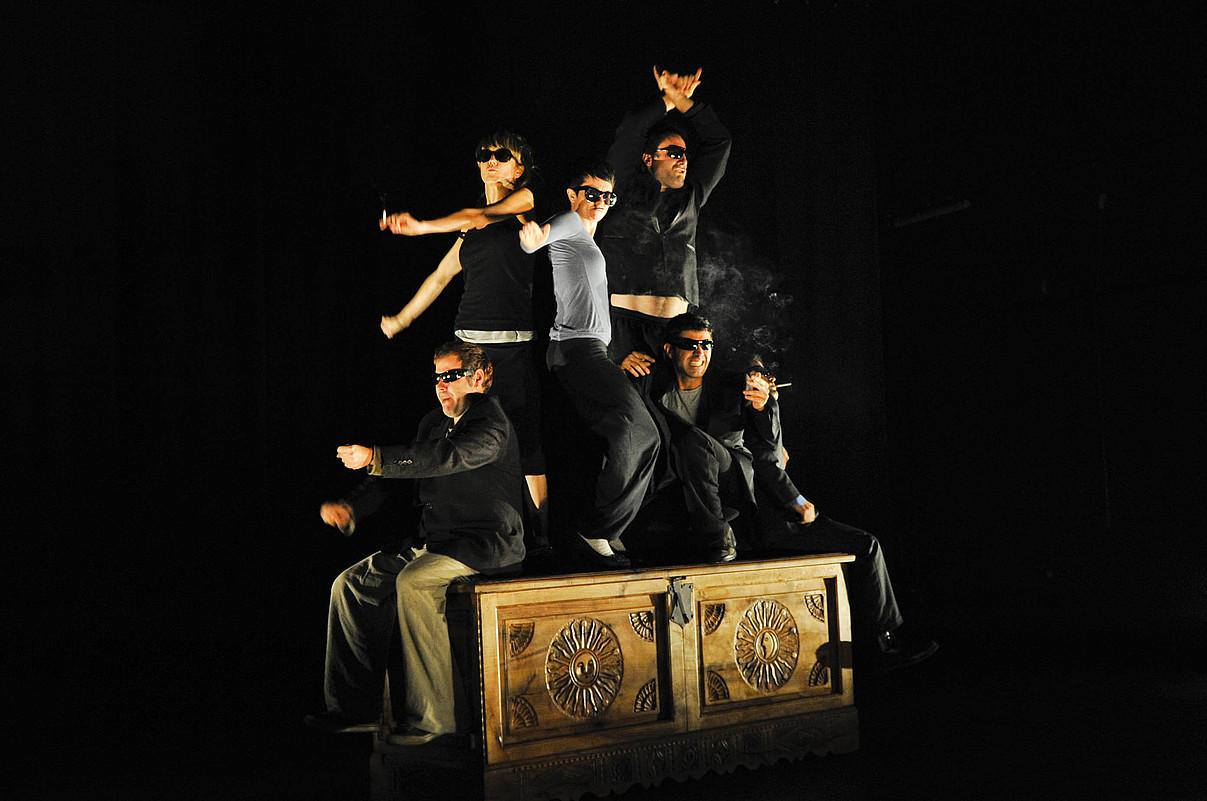 Artedramak, Le Petit Theatre de Painek eta Dejabu panpin laborategiak sortu dute <em>Errautsak</em>.