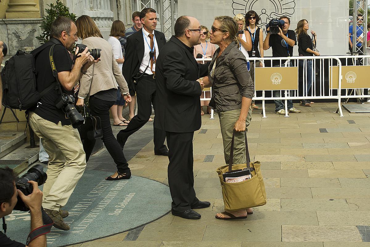 Jose Luis Rebordinos eta Frances McDormand epaimahaiburua, atzo, Donostian. / GARI GARAIALDE / ARGAZKI PRESS