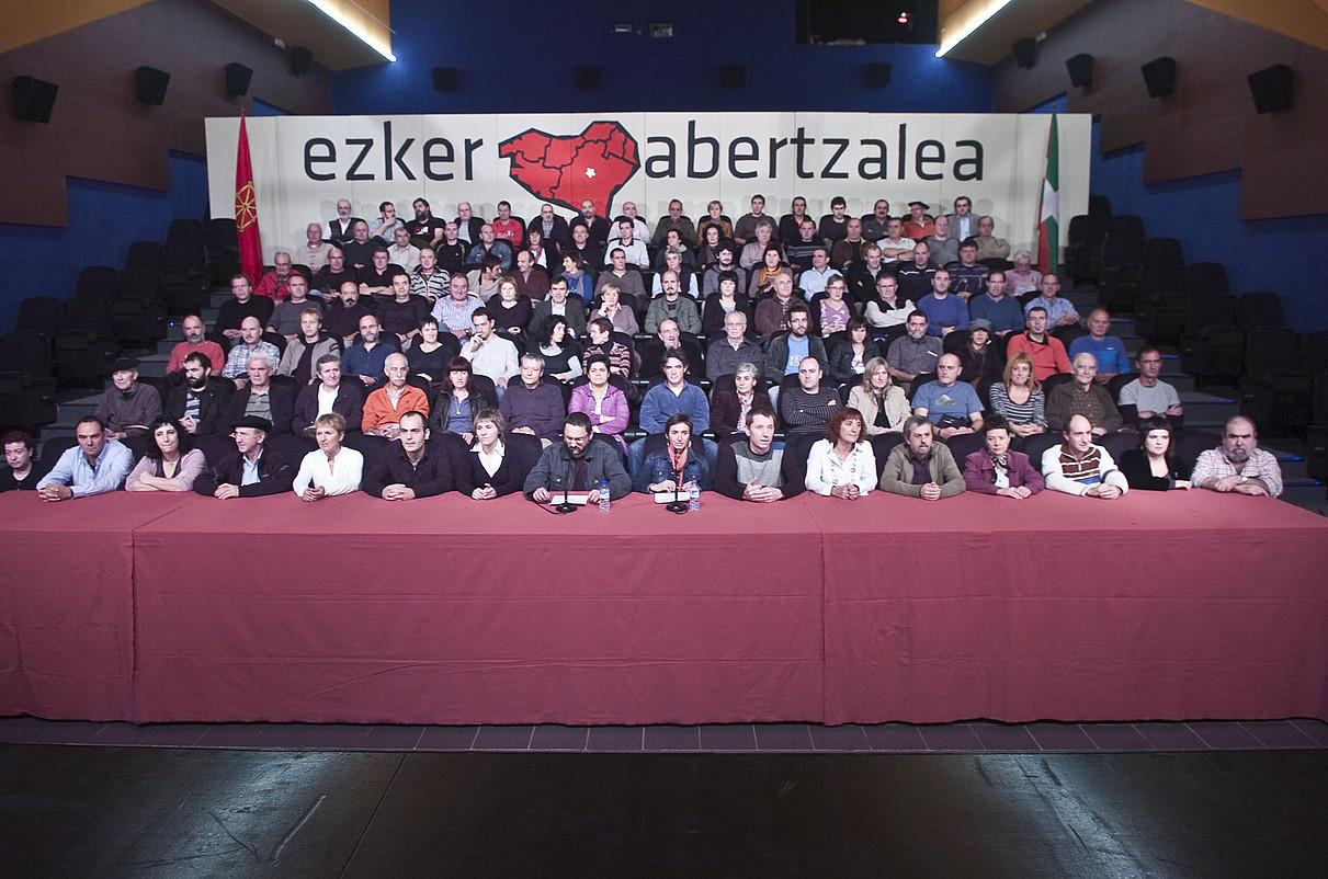 Barne eztabaidaren oinarriak aurkeztu zituen ezker abertzaleak, Altsasun, 2009ko azaroan. / JUANAN RUIZ / ARGAZKI PRESS
