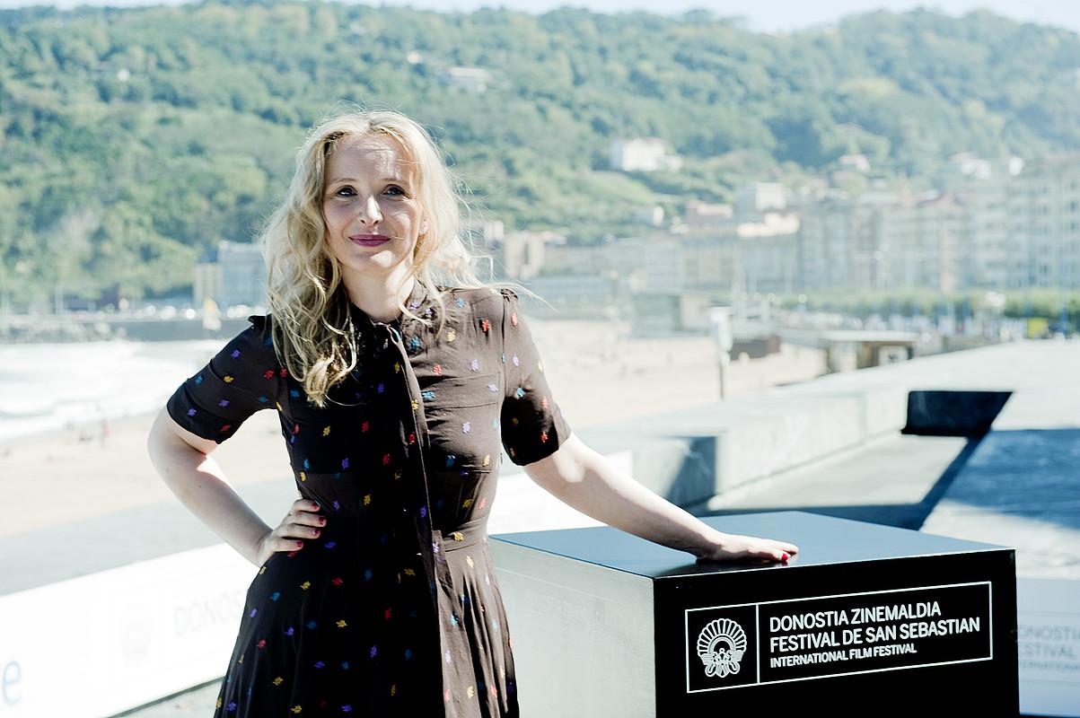 Julie Delpy zuzendari eta aktore frantsesa, atzo, Donostian. / JUAN CARLOS RUIZ / ARP