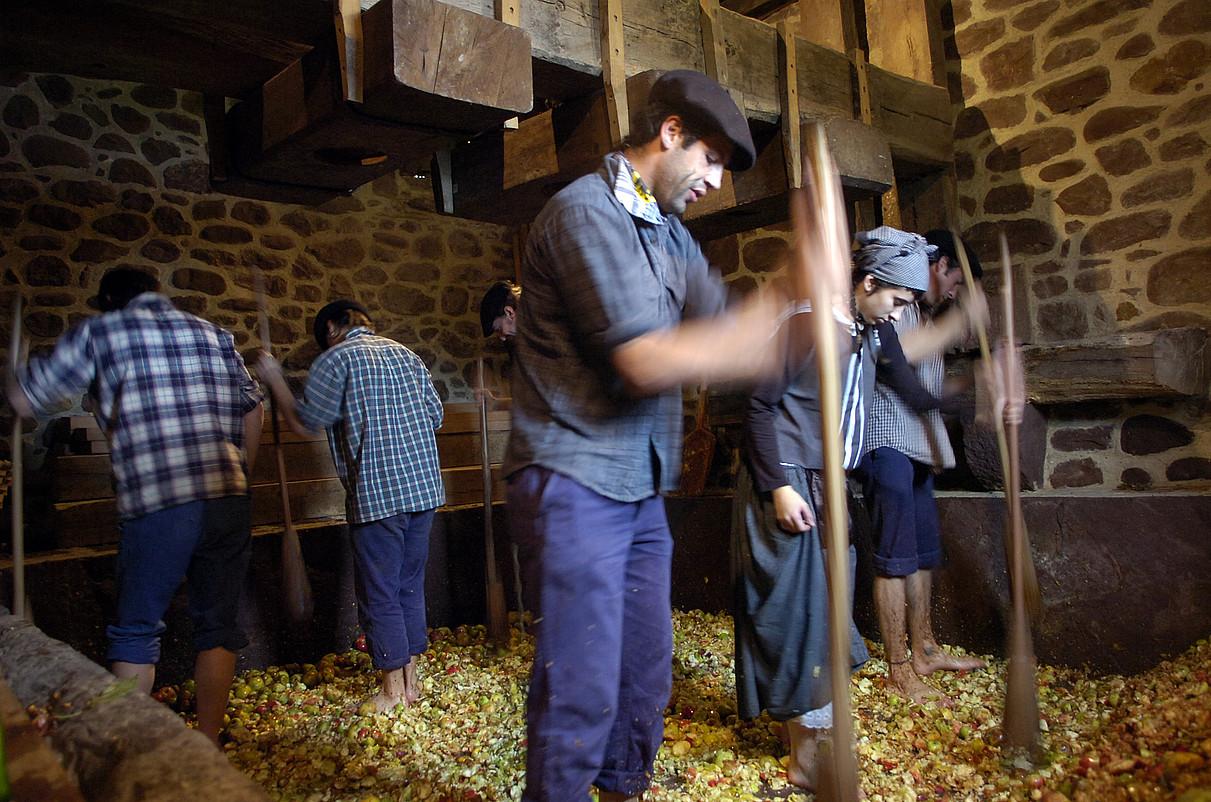 Kirikoketa jaia, Arizkungo Gamioxar baserrian. ©JAGOBA MANTEROLA / ARGAZKI PRESS