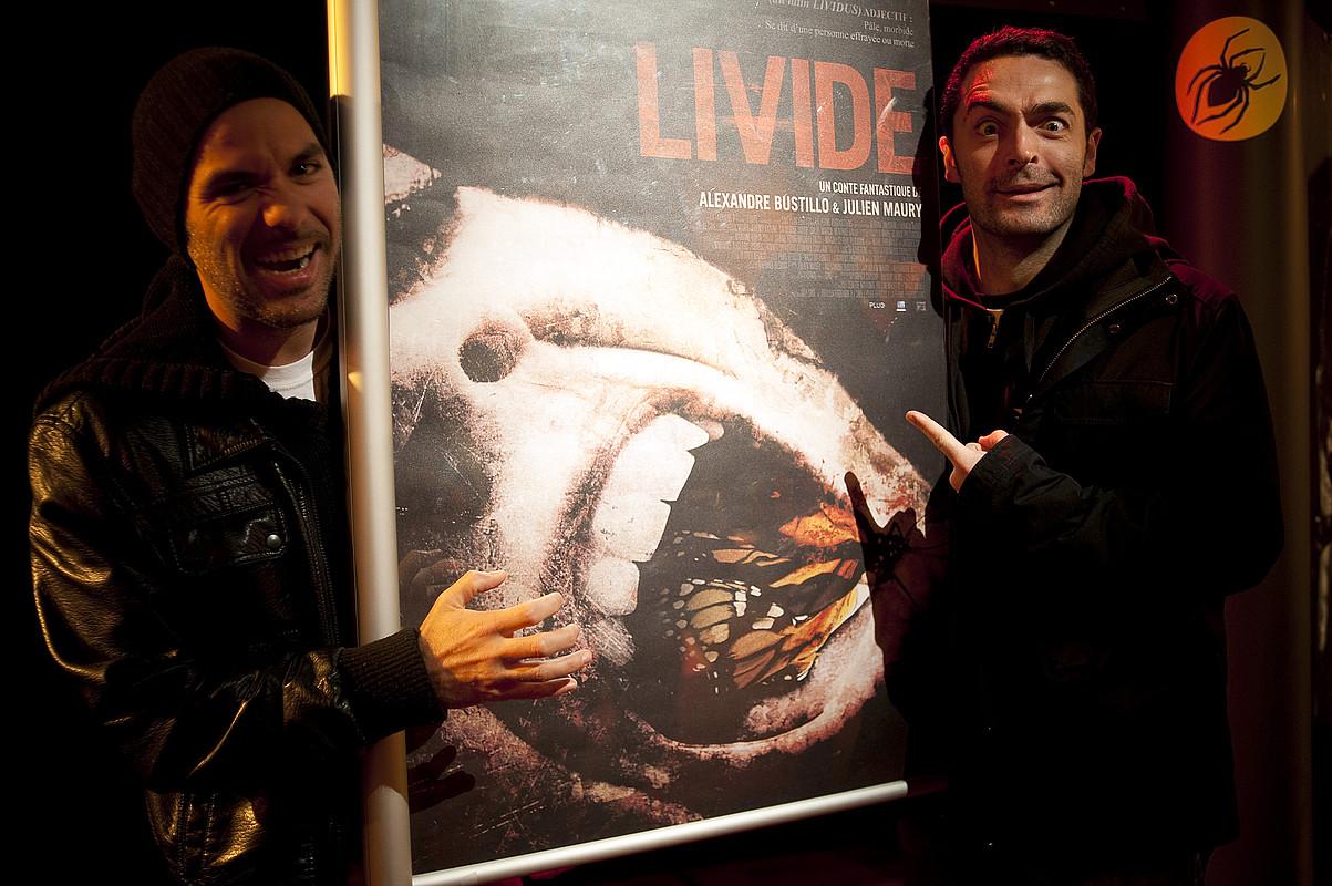 Alexandre Bustillo eta Julien Maury zuzendariak <em>Livide</em> filmaren aurkezpenean, atzo, Donostian. / JUAN CARLOS RUIZ / ARP