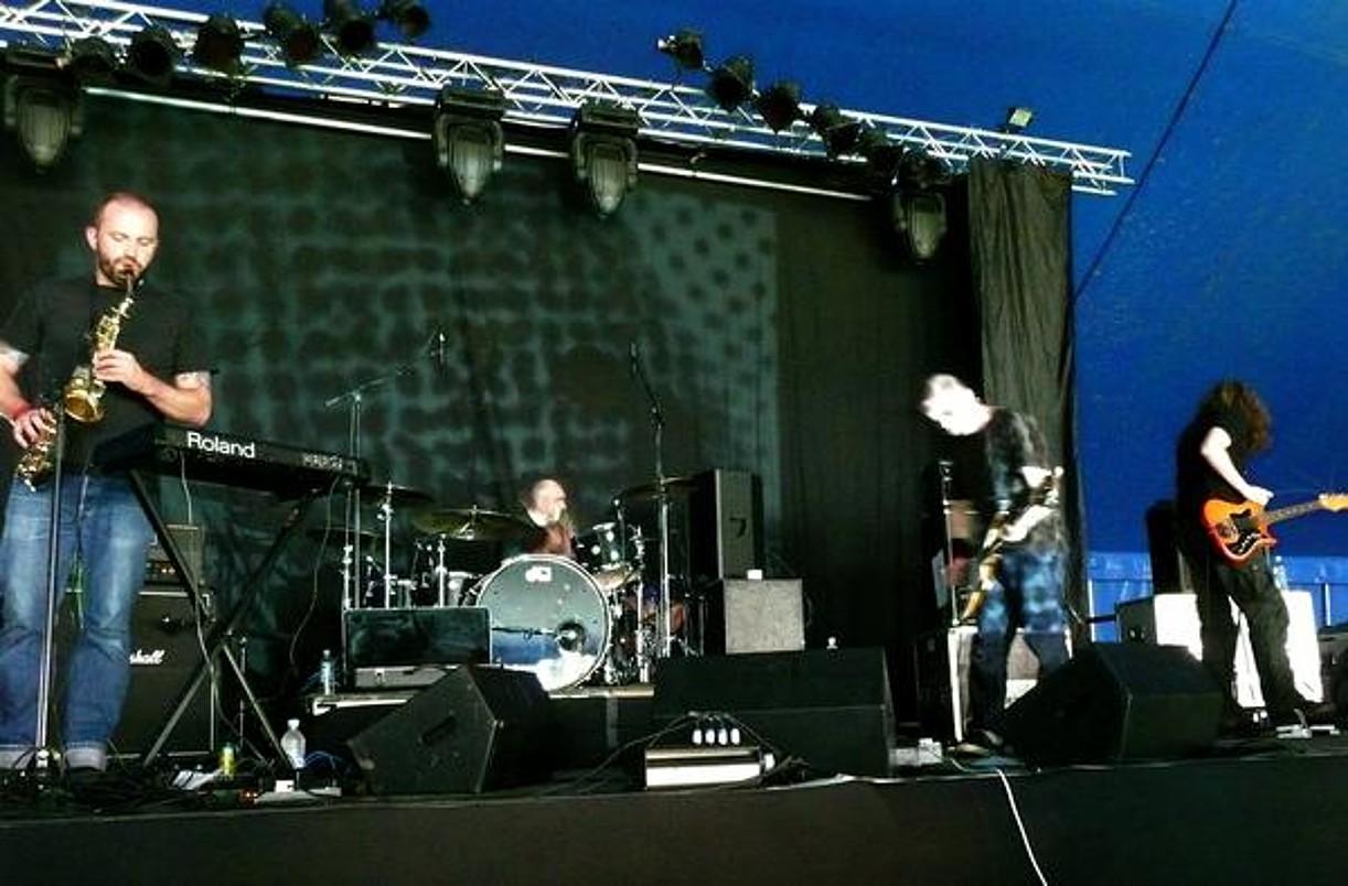 Mugstar talde ingeleseko kideak, Galesko <em>Green Man Festival</em> -en emandako kontzertuan. ©BERRIA