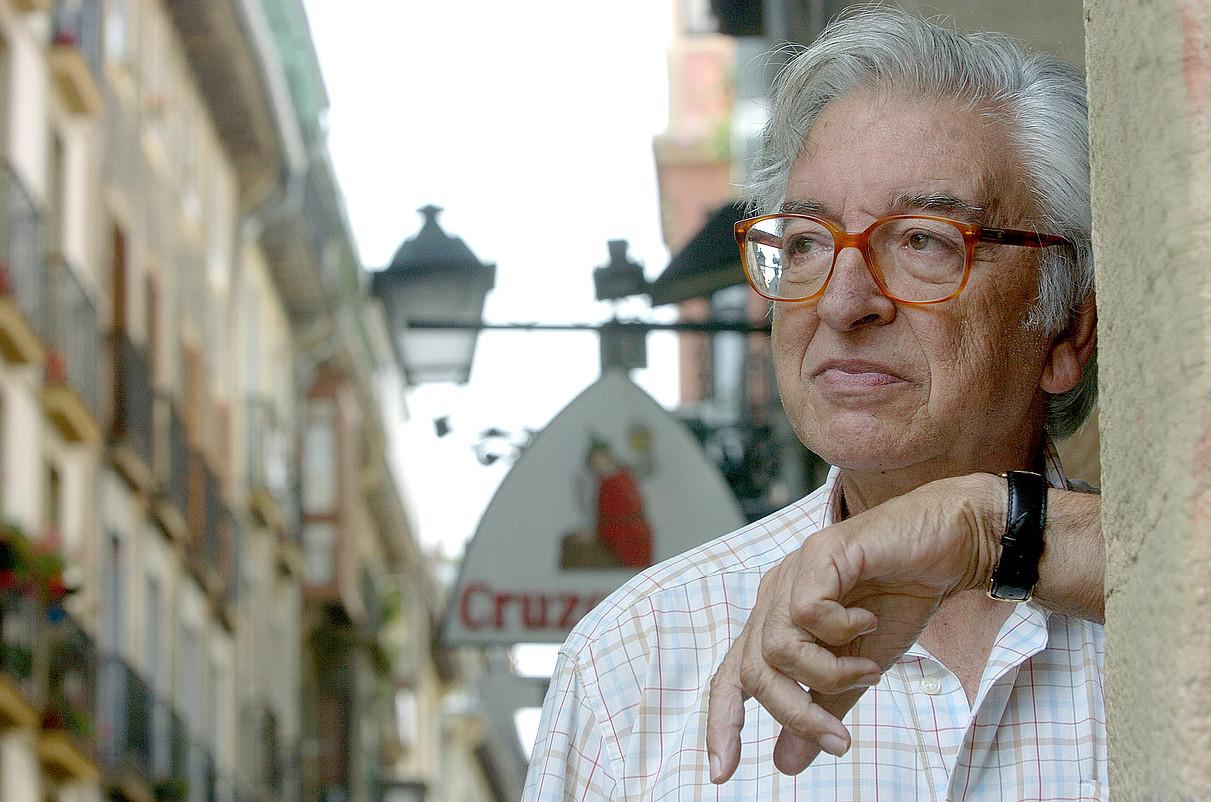 Jose Luis Alvarez Enparantza <em>Txillardegi</em>-ren omenezko ekitaldia igandean izango da, Donostian. / JON URBE / ARP