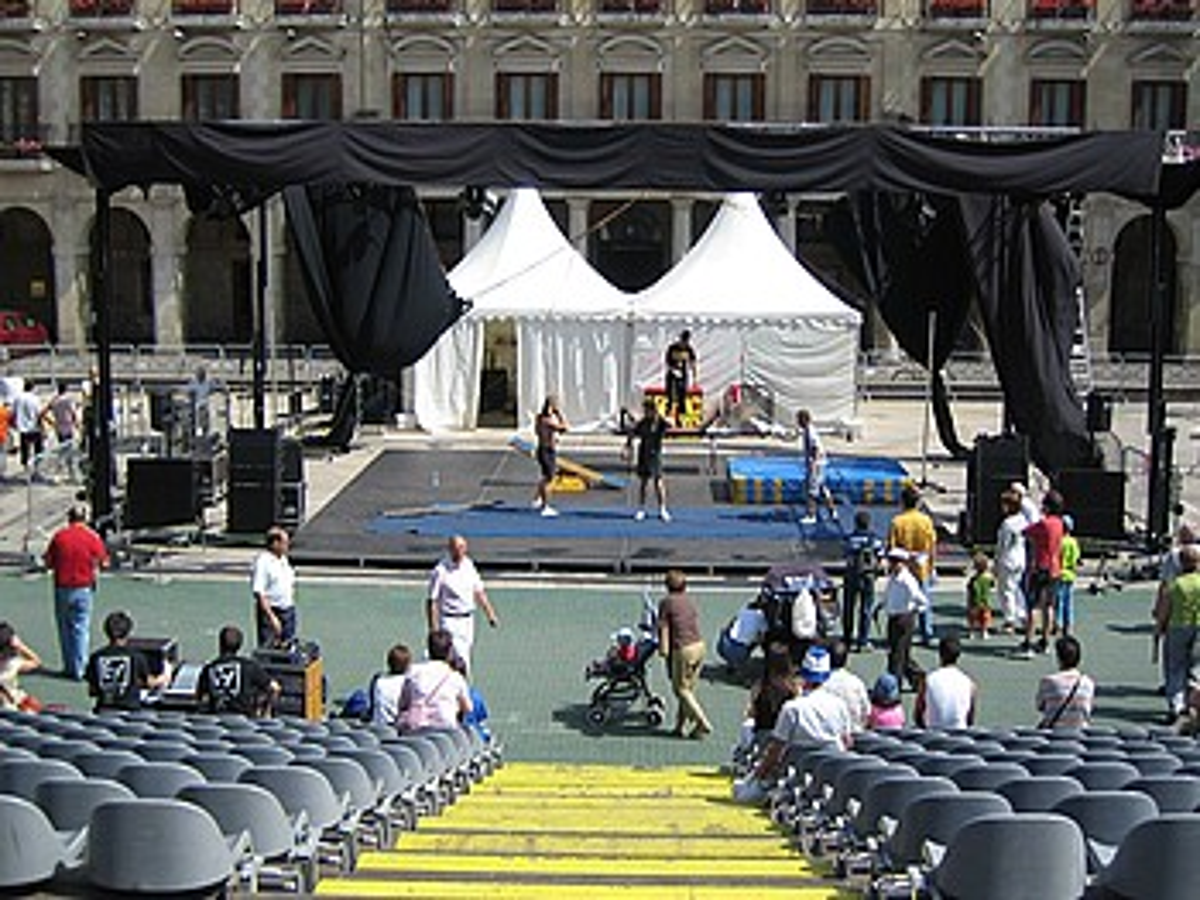 Plaza Berrian izaten zen agertokia Foruen plazan jarriko dute aurten. ©LIZARRALDE SOINUA