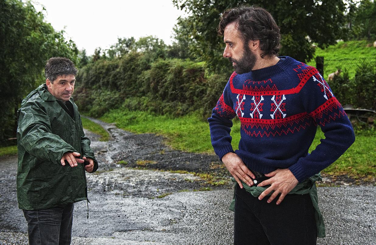Patxi Barco eta Asier Hormaza, <em>Dragoi ehiztaria</em>-ren lehen filmaketetako batean, Lezon. &copy;JON URBE / ARGAZKI PRESS