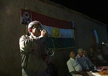Ismail Ali Xeref PDKSko kidea hitzaldia ematen Dernan, Siriaren menpeko Kurdistanen, iragan astean. ©K. ZURUTUZA