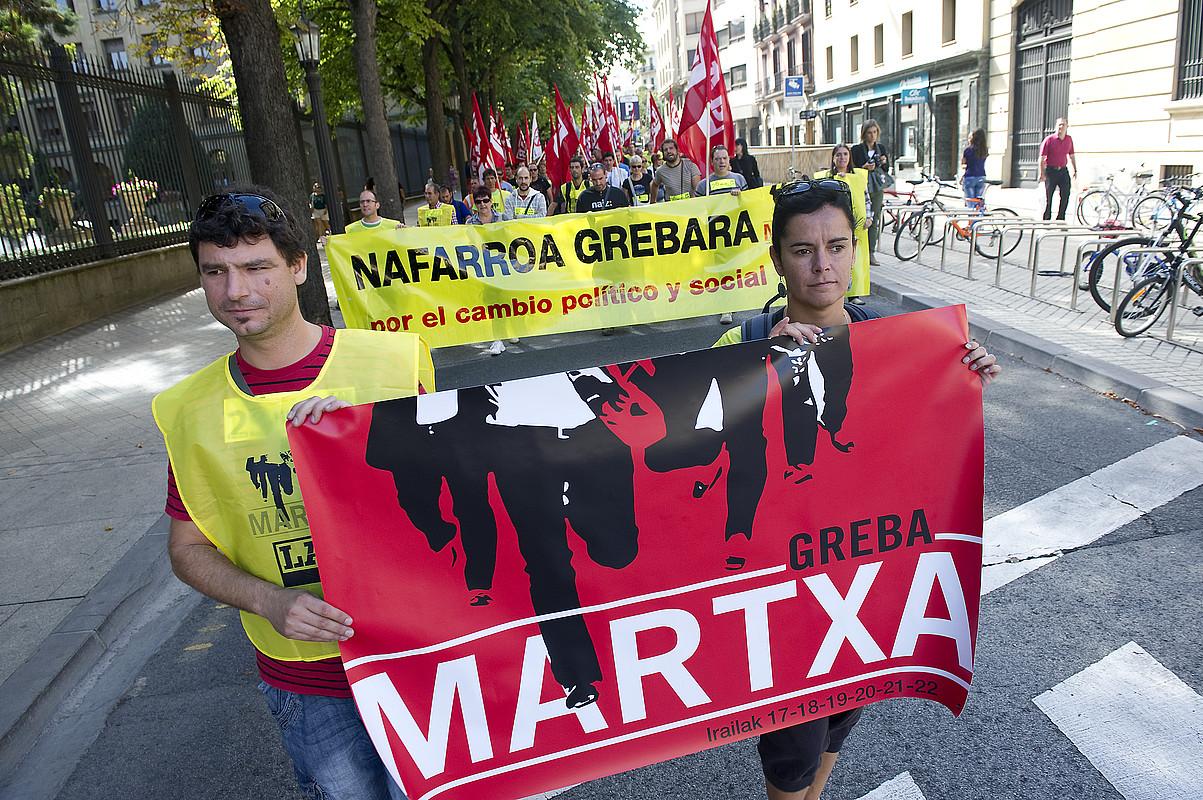 Iruñerria herriz herri zeharkatuko du LAB sindikatuaren greba martxak; irudian, hasiera. / IDOIA ZABALETA / ARGAZKI PRESS