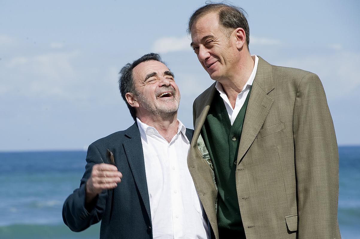 Carlos Sorin zuzendaria eta Alejandro Awada aktorea, atzo Donostian. / IDOIA ZABALETA / ARGAZKI PRESS