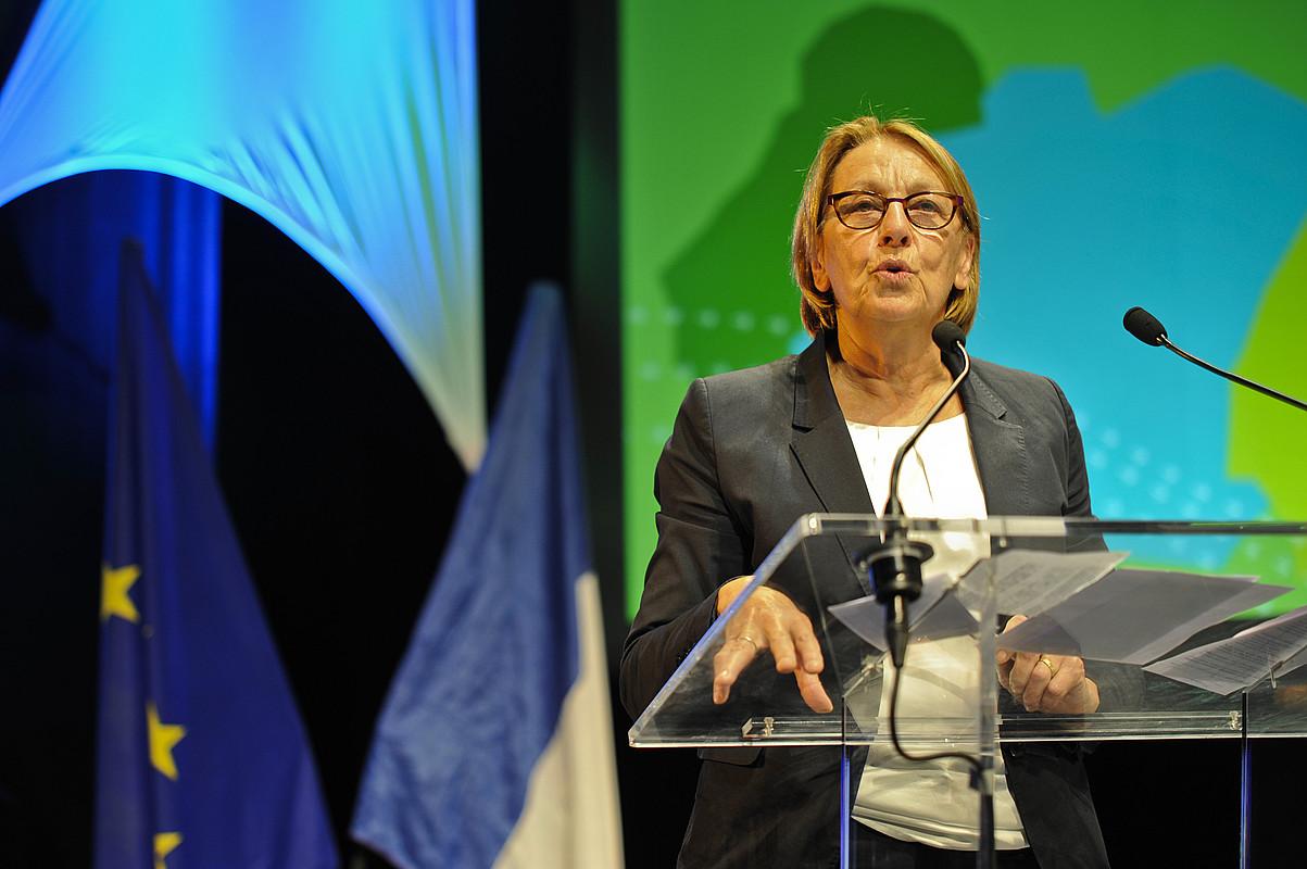 Marylise Lebranchu Deszentralizazio ministroa, atzo, Miarritzen egin zen herri eta hiri elkargoen topaketan. / NICOLAS MOLLO
