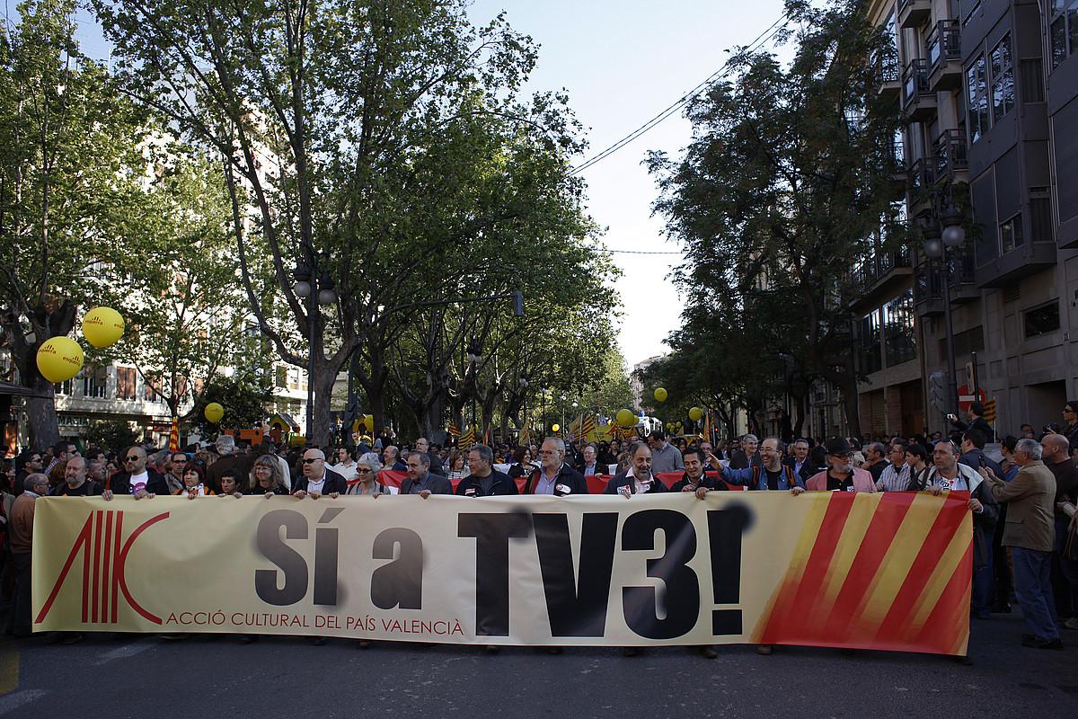 Accio Cultural elkarteak bultzatuta, TV3 katearen emisioak etetearen aurkako manifestazio ugari egin dira azken urteetan Valentzian . ©ORIOL CLAVERA