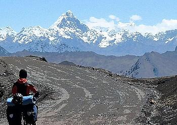 Huascaraneko Parke Nazionalean barna, Perun, 4.800 metro gora eginda. Zaila da oxigenorik gabeko mundua imajinatzea. / JAVIER SECO