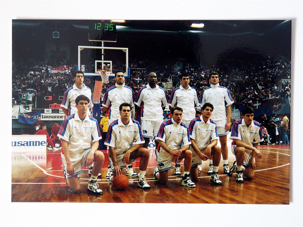 Errekopako lehen finala. Perasovic, Laso, Bannister, Rivas, Talaveron eta Santi Abad, besteak beste, Olimpijaren aurkako finalean, 1994an.