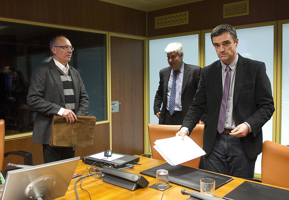 Jonan Fernandez, atzo, Eusko Legebiltzarrean. / RAUL BOGAJO / ARGAZKI PRESS