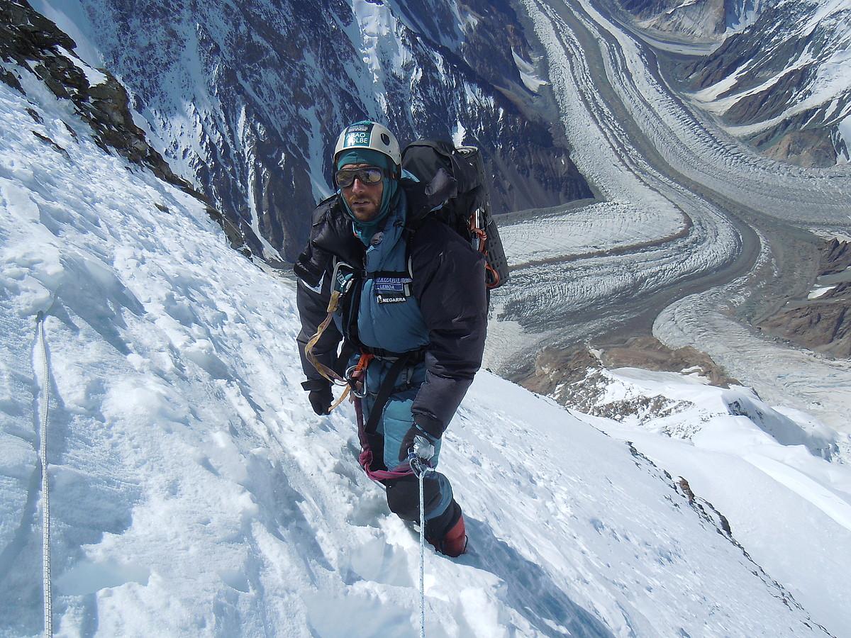 Alex Txikon, K2 mendian, 7.300 metroraino igota. ©ALEX TXIKON