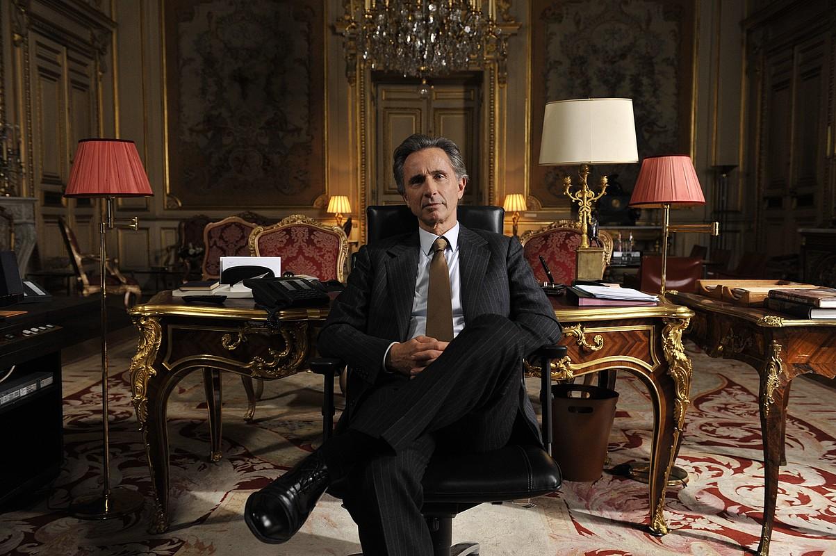 Bertrand Tavernierren <em>Quai d'Orsay</em> filmaren irudi bat. Tavernier Urrezko Maskorraren lehian izango da Zinemaldiko Sail Ofizialean. / DONOSTIA ZINEMALDIA